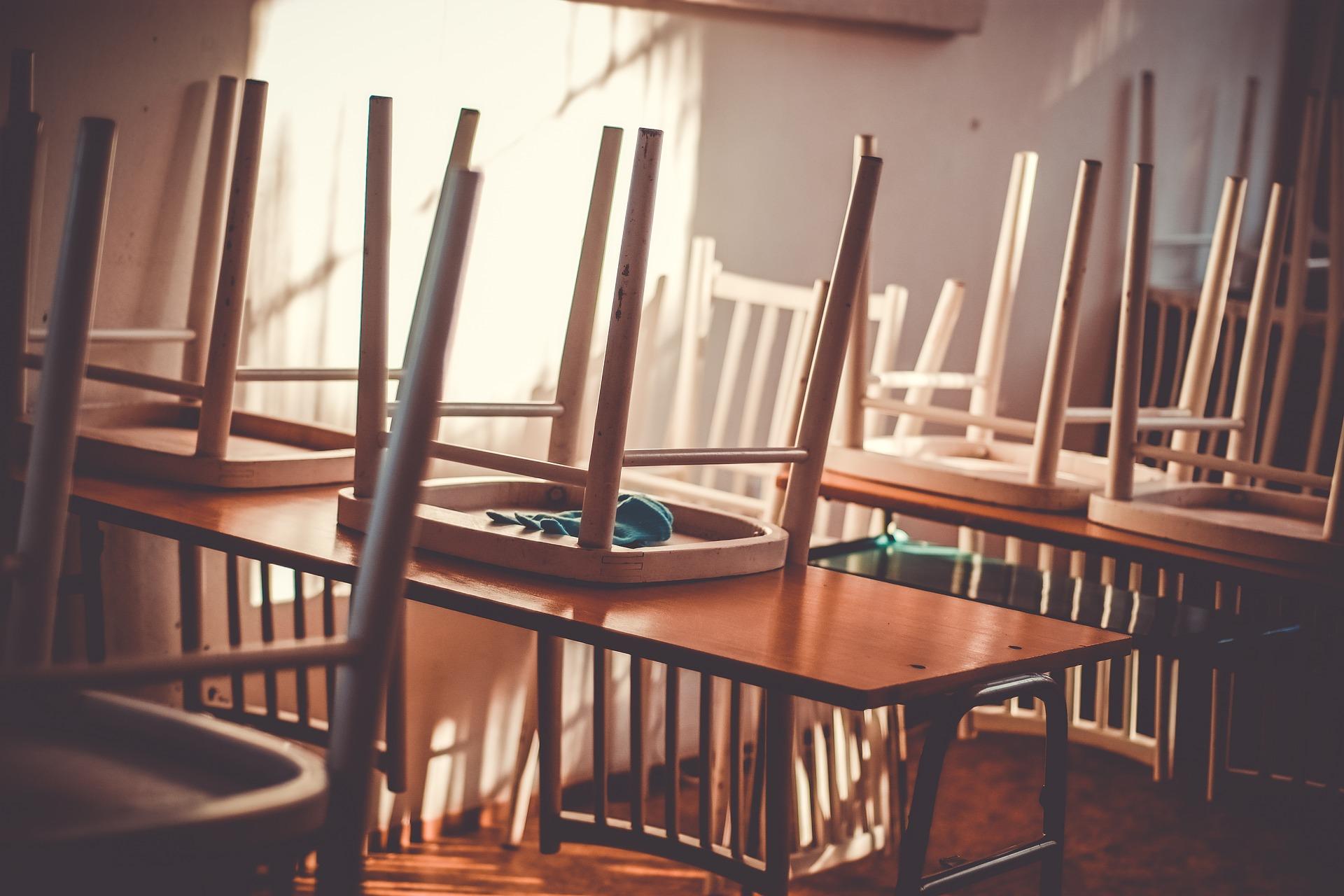 روزنامة العطل المدرسية